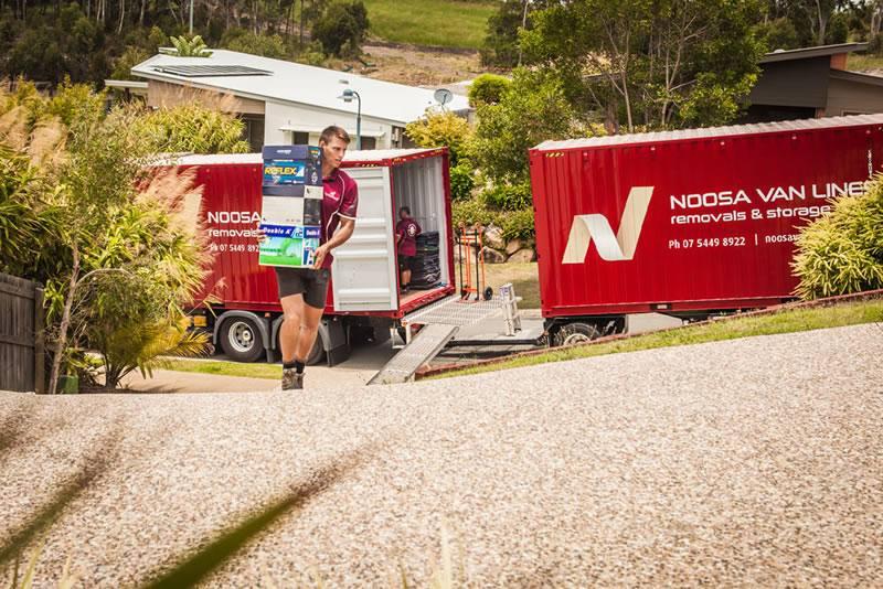 Hayden Unloading - Sydney Brisbane Move